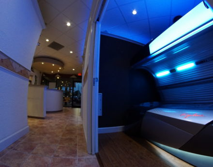 Lauderhill, Tamarac and Coral Springs is where we offer spray tanning and other tanning salon services.
